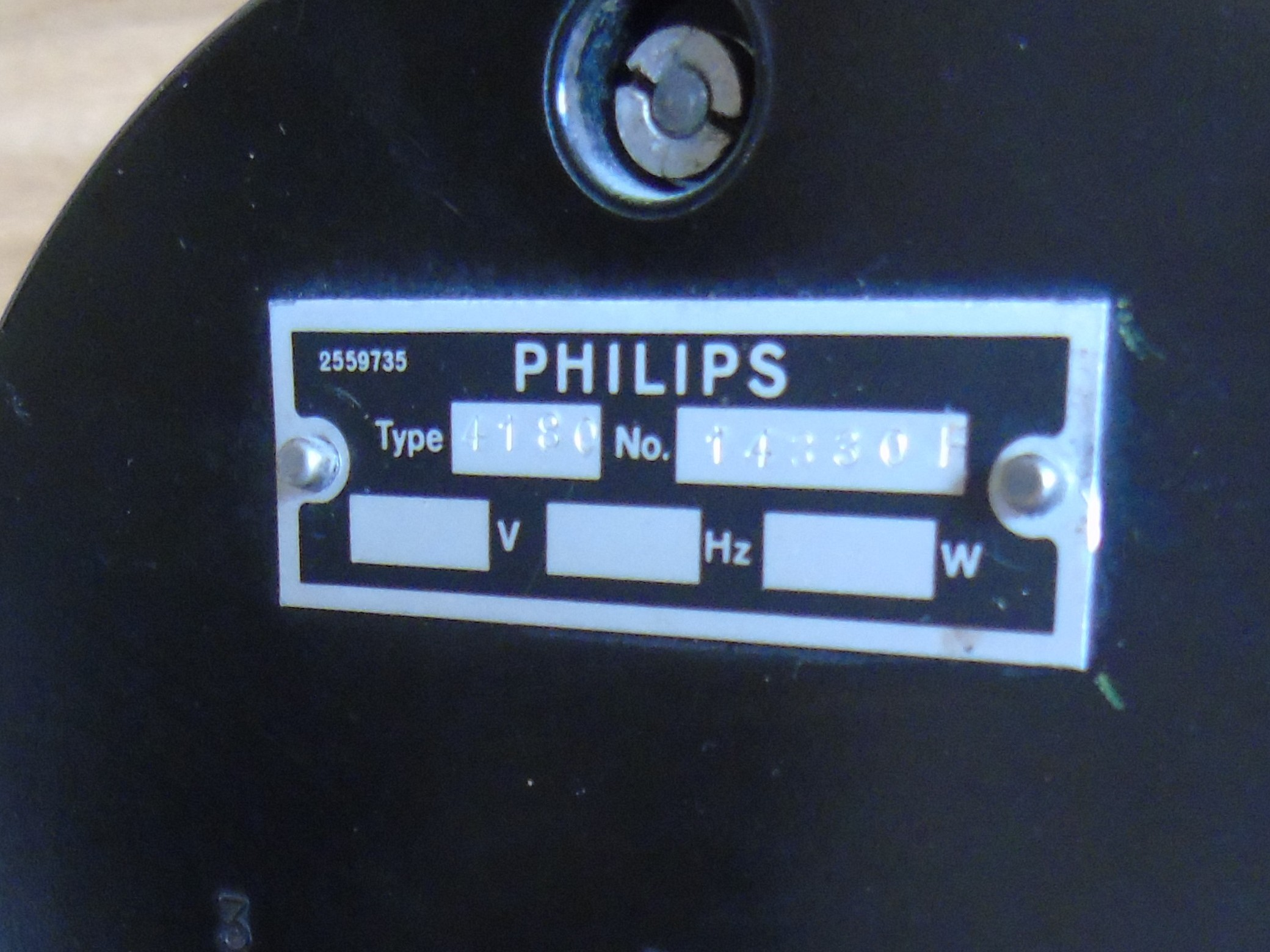 Lot 49 - PHILLIPS TUBE TUNING COIL RED MARBLED CASE A/F EST[£20-£40]