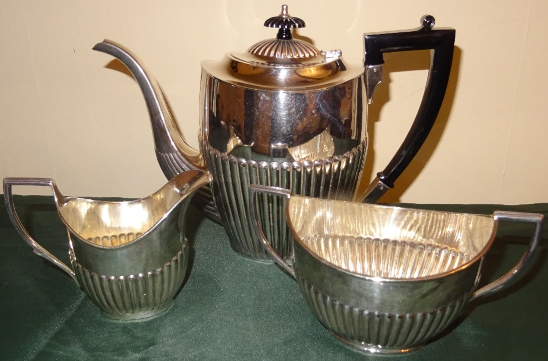 Lot 348 - SILVER PLATED TEA POT WITH MATCHING MILK JUG AND SUGAR BOWL
