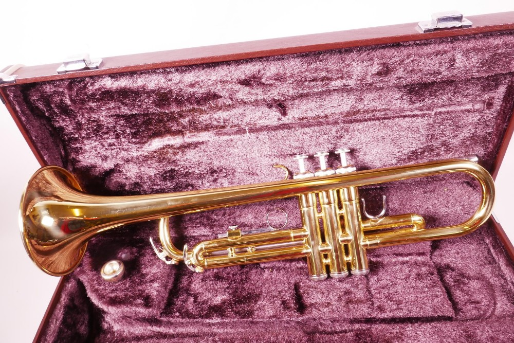 Lot 17 - A Yamaha brass trumpet in fitted case, YTR2320 204771