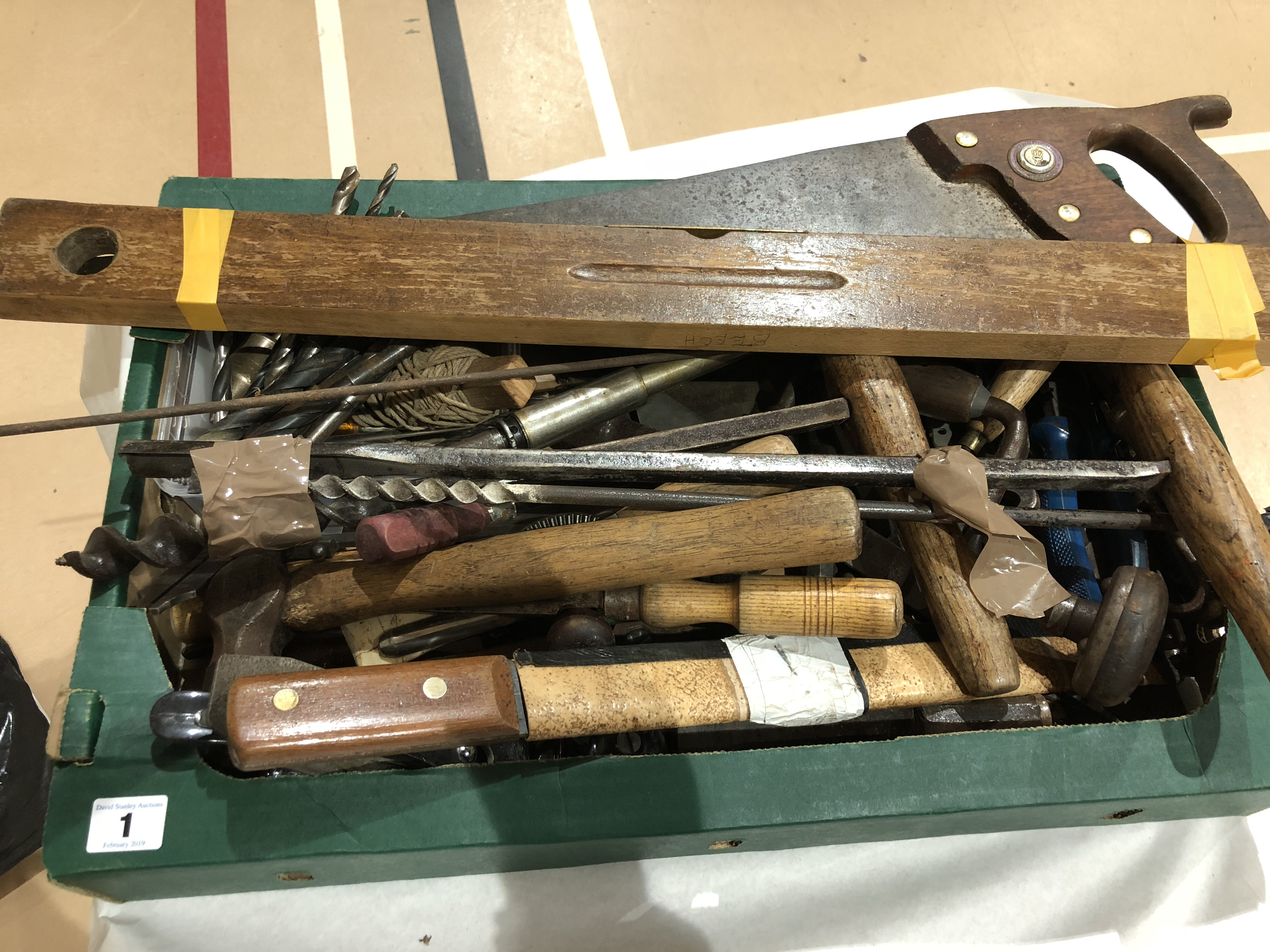 Lot 1 - A box of tools