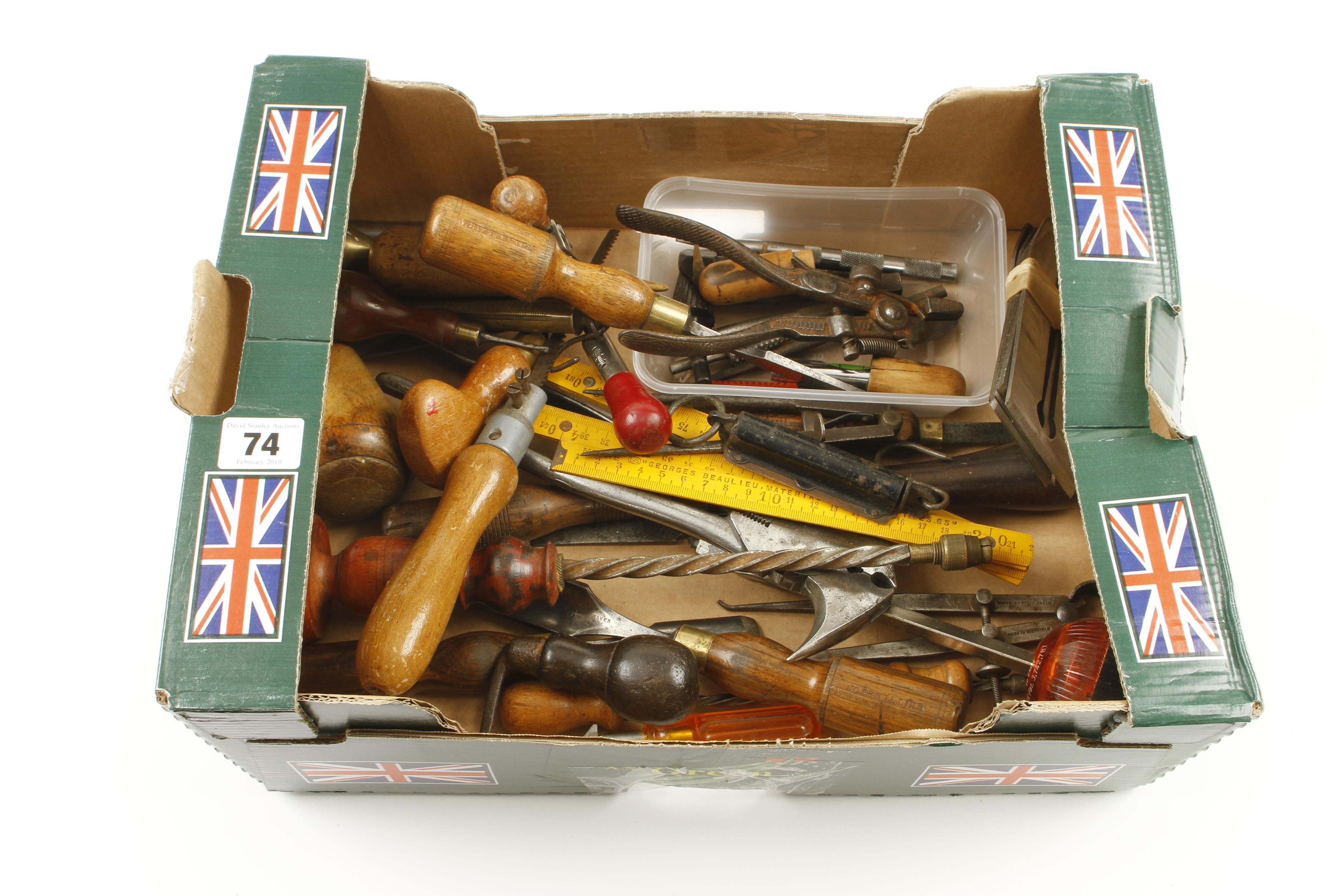 Lot 74 - A box of tools G