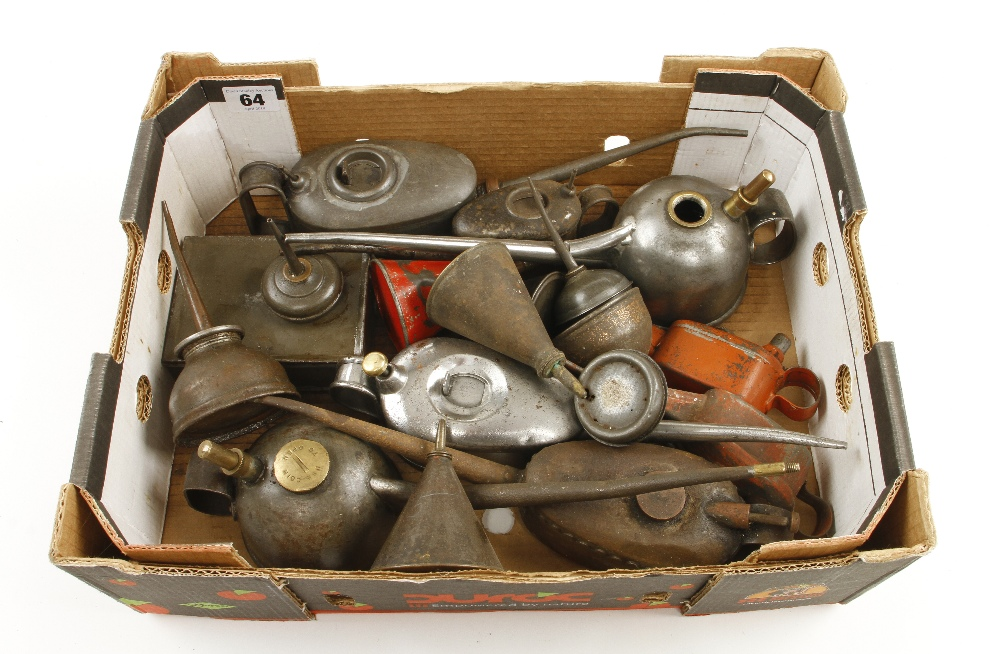 Lot 64 - 20 various oilcans G
