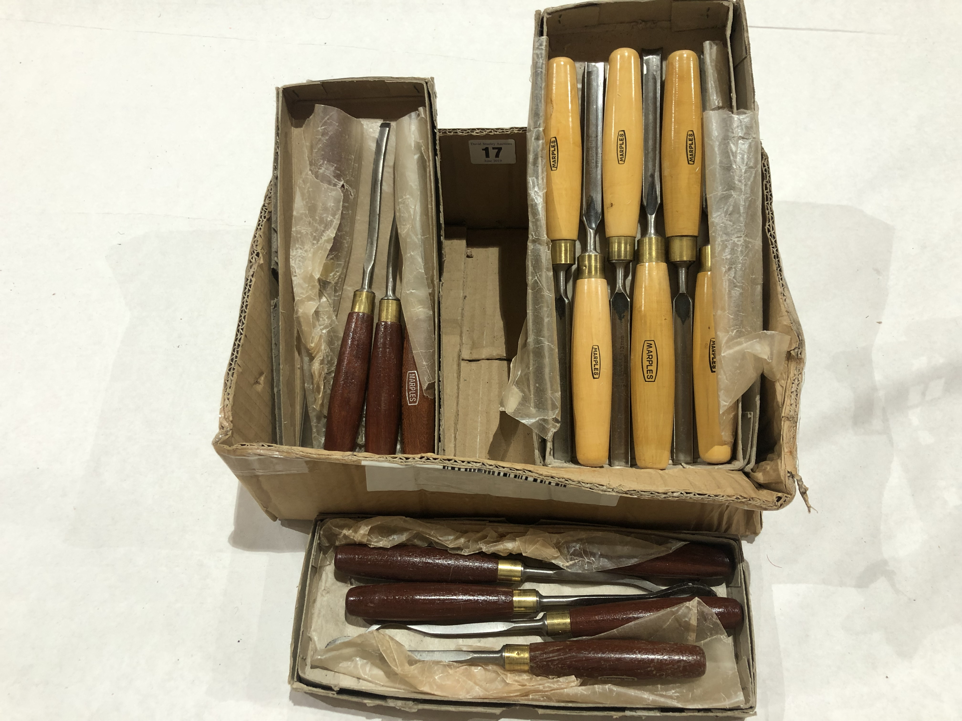 Lot 17 - Three boxes of MARPLES chisels and carving tools G++