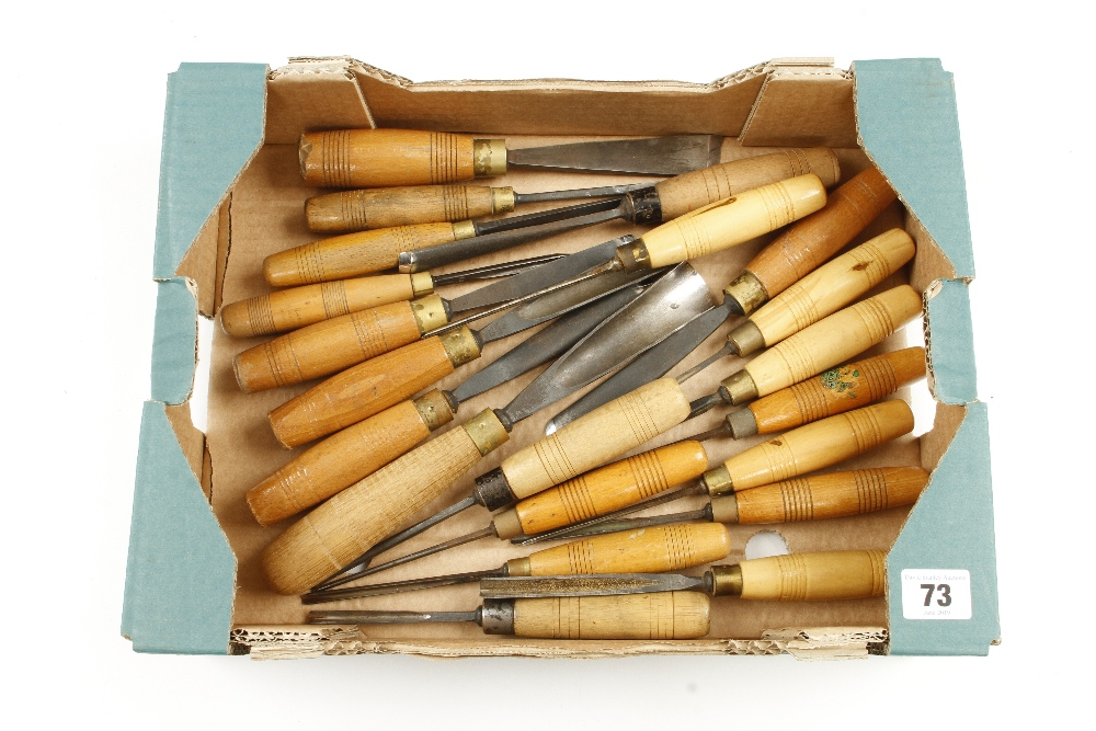 Lot 73 - 21 carving tools many by HENRY TAYLOR G+