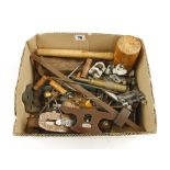Lot 78 - A box of tools G