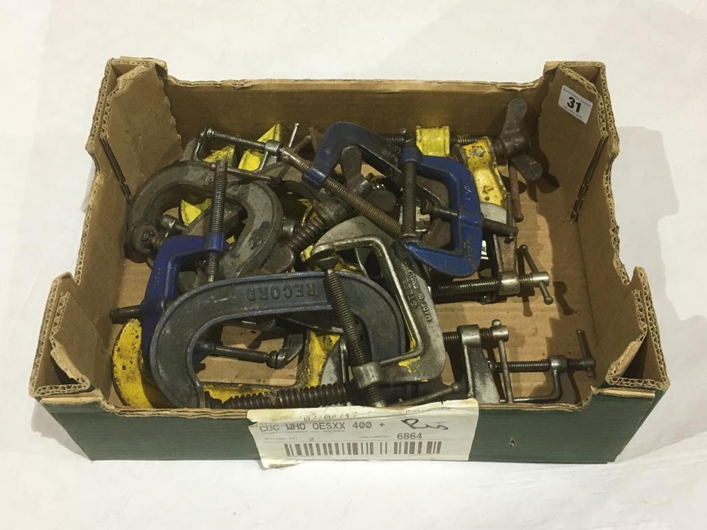 Lot 31 - 19 various small clamps,