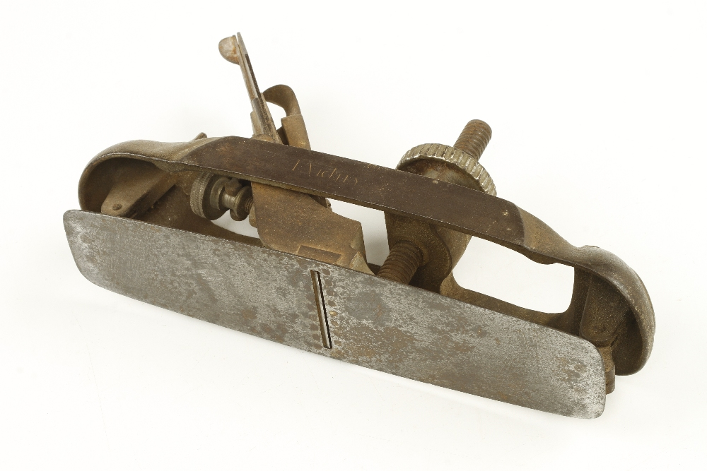 Lot 60 - A STANLEY Victor No 20 circular plane with orig iron G
