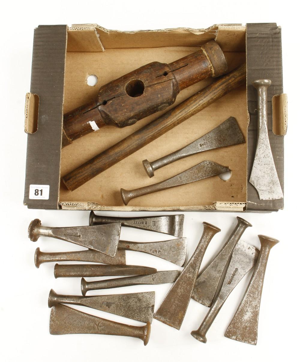 Lot 81 - A caulking mallet and 15 caulking irons G