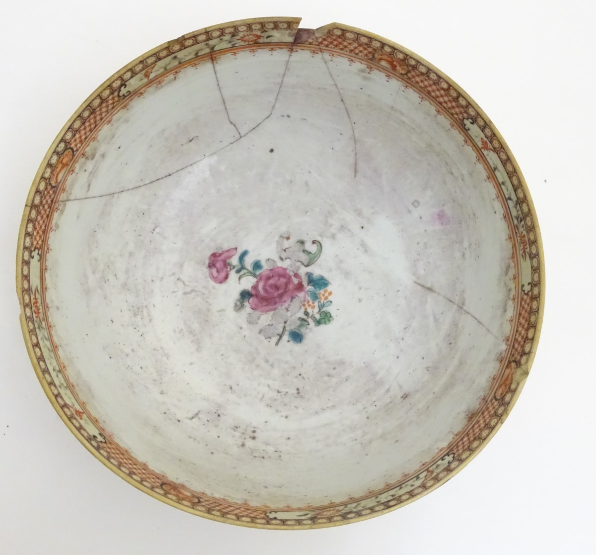 Lot 37 - An Imari scalloped-edge bowl with panelled decoration depicting birds and flowers,