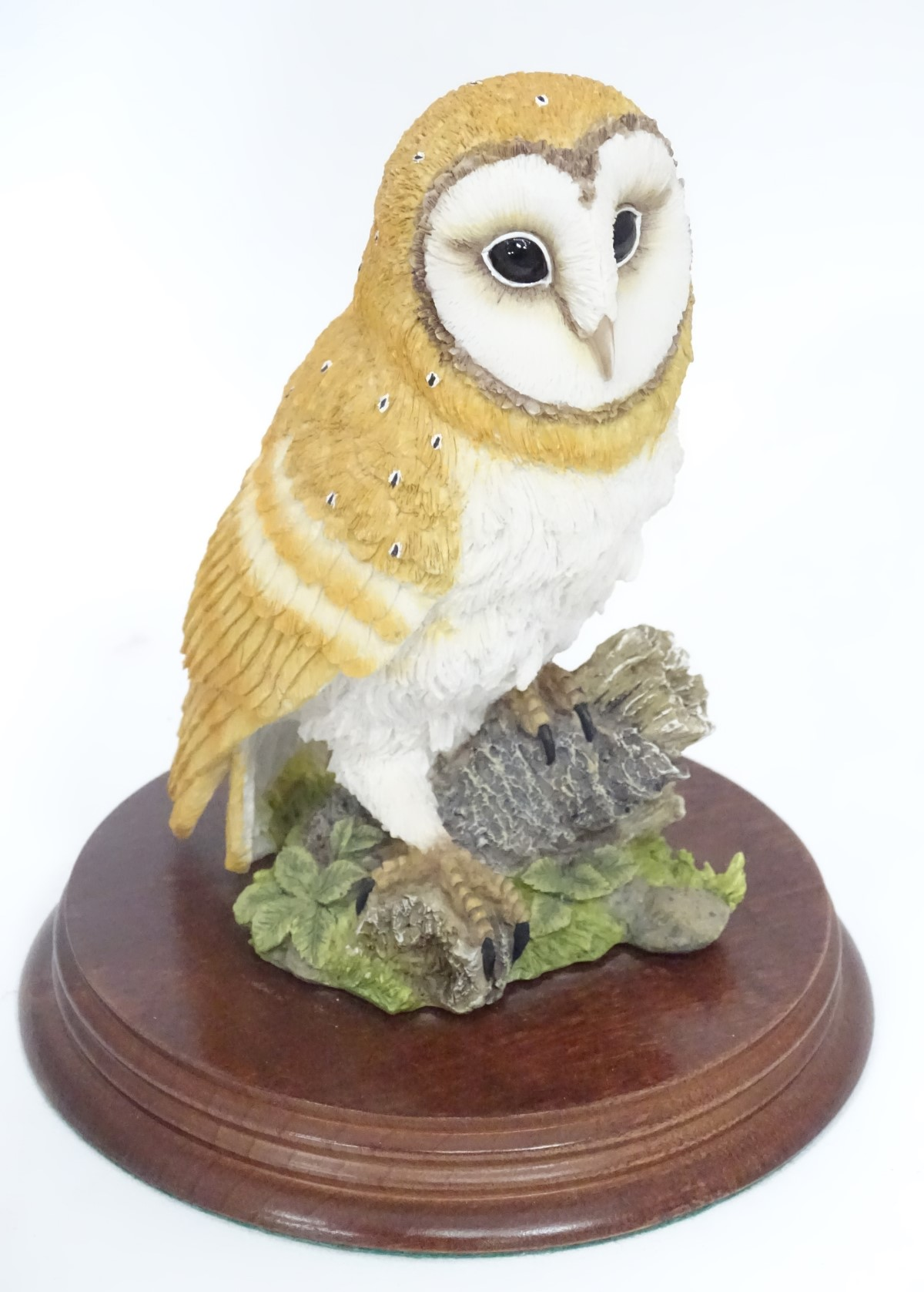 Lot 25 - A Leonardo Collection model of a barn owl CONDITION: Please Note - we do not make