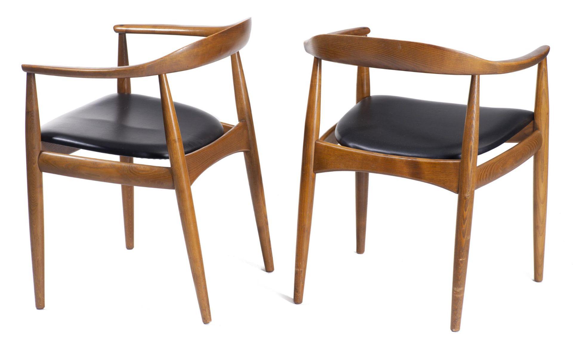 Quatre chaises en teck et deux fauteuils en chêne de style scandinave - Bild 3 aus 9