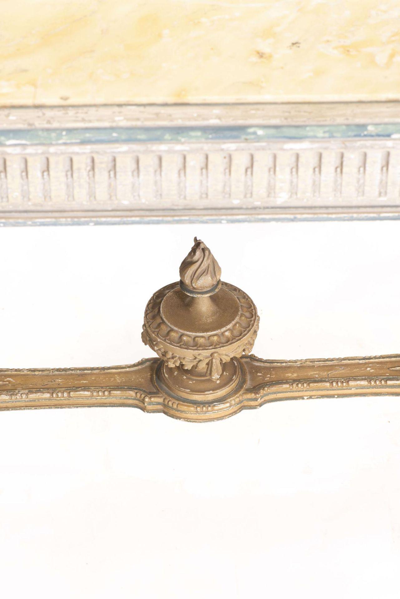 Table de chasse de style Louis XVI avec plateau de marbre jaune - Bild 3 aus 4