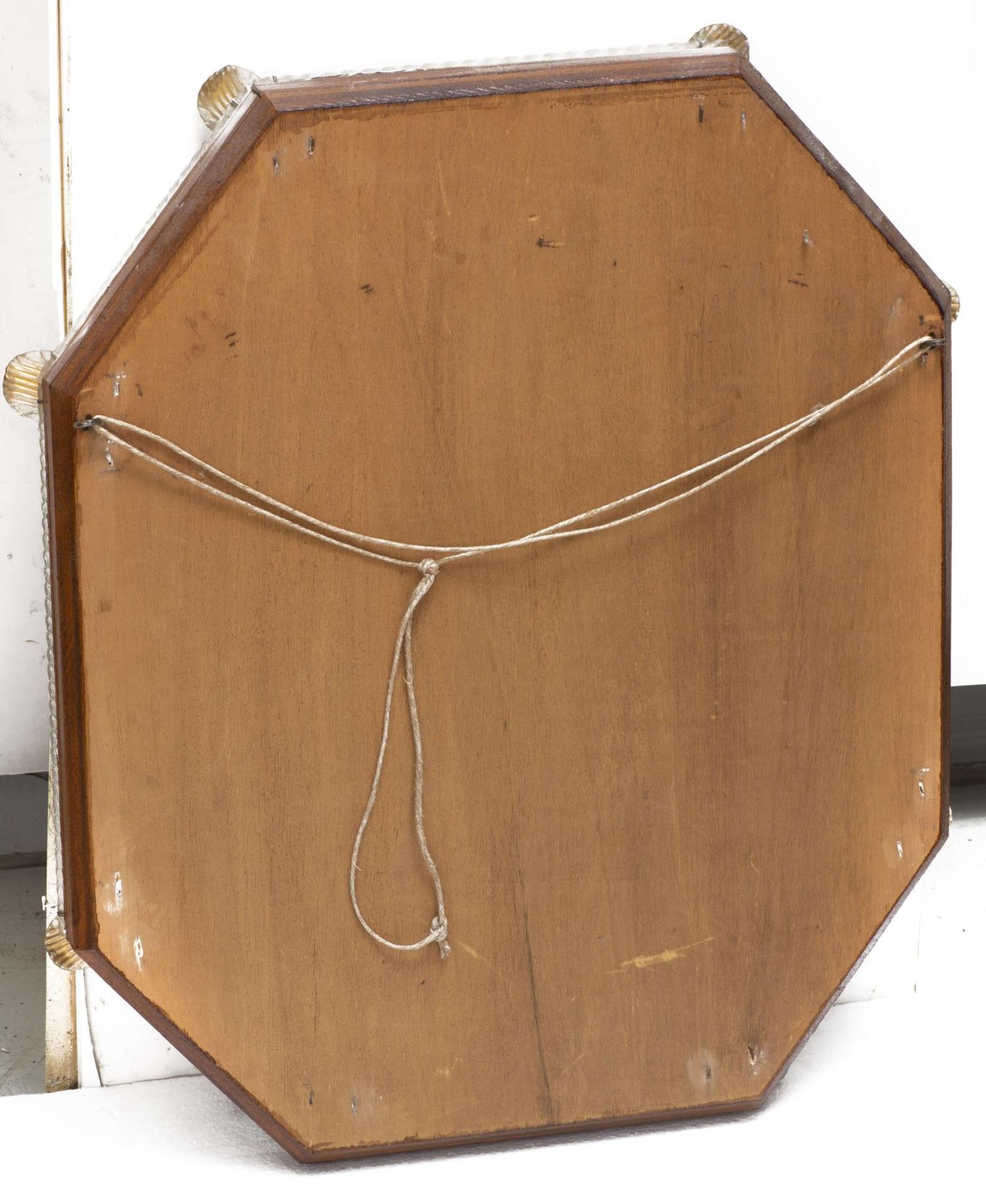 Miroir vénitien octogonal encadré de torsades et de fleurs en verre - Bild 4 aus 4