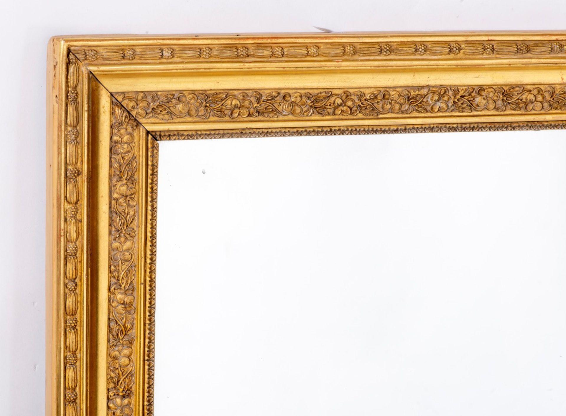 Miroir à cadre en stuc doré rectangulaire d'époque Nap. III, glace au mercure - Bild 2 aus 3