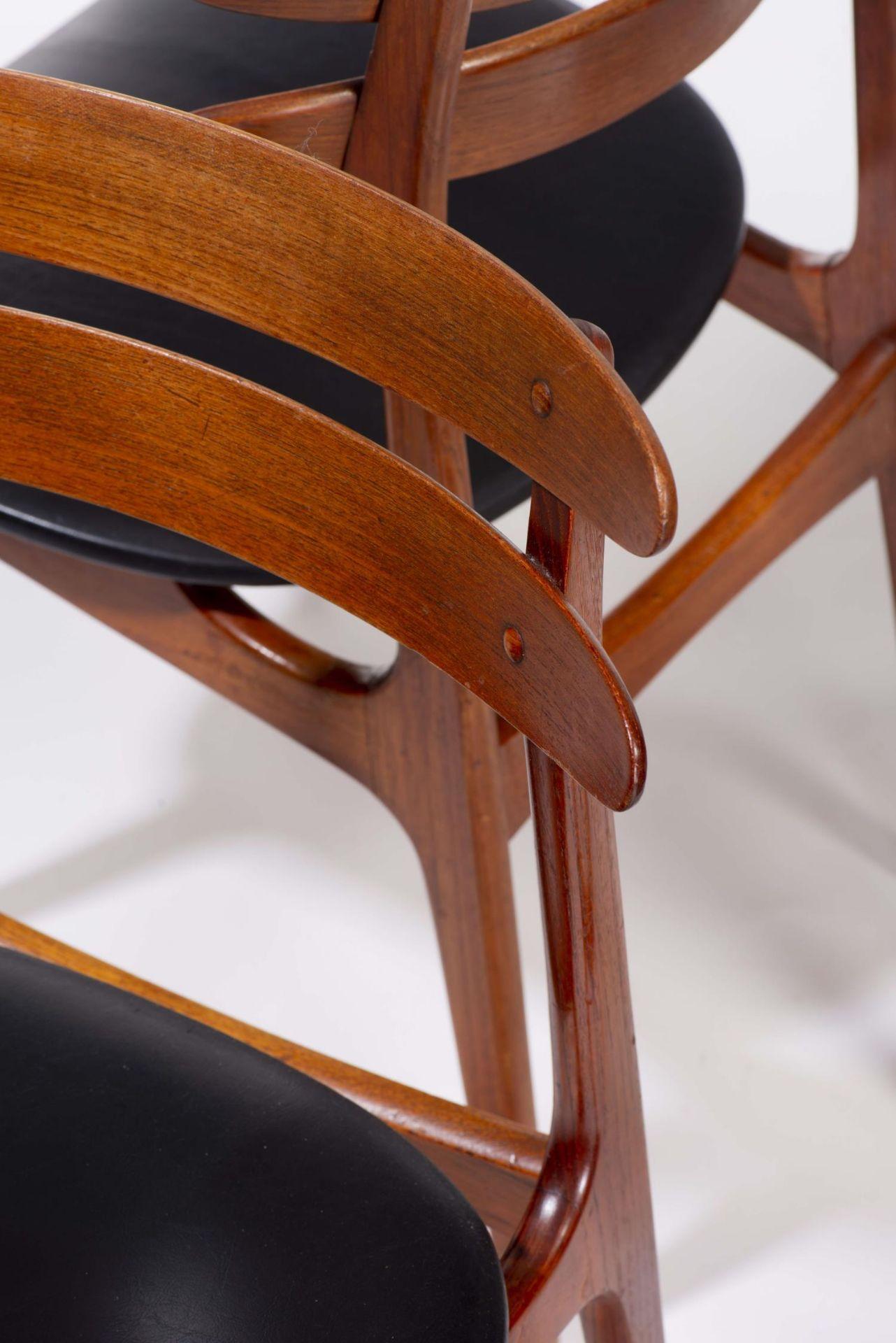 Quatre chaises en teck et deux fauteuils en chêne de style scandinave - Bild 6 aus 9