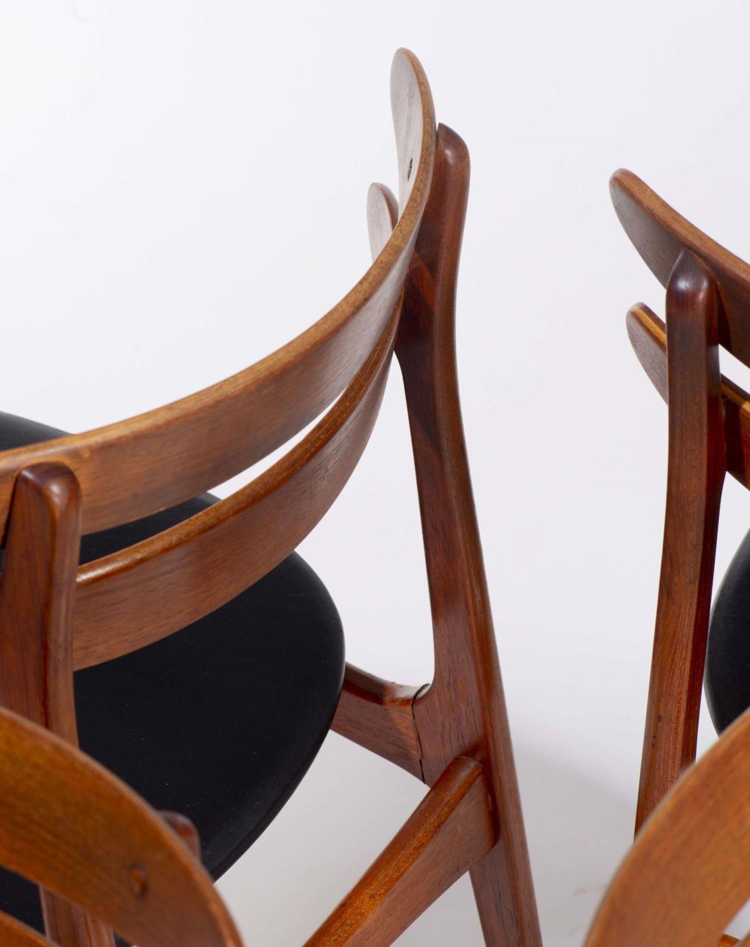 Quatre chaises en teck et deux fauteuils en chêne de style scandinave - Bild 7 aus 9