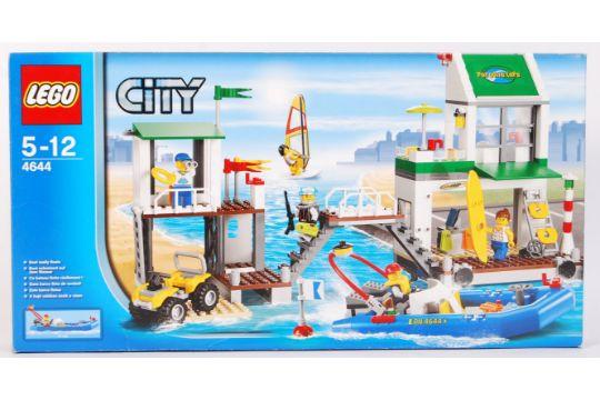 A Lego City set No  4644 ' Marina '  Appears factory sealed