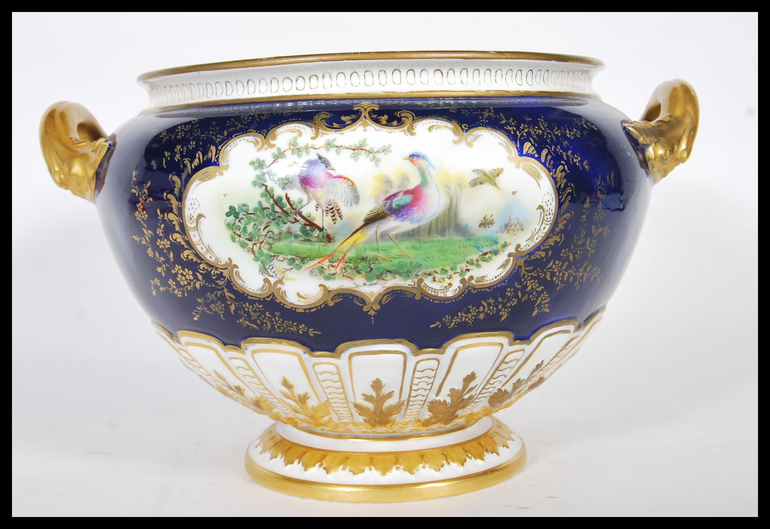Lot 137 - A late 19th Century Royal Worcester soup tureen of