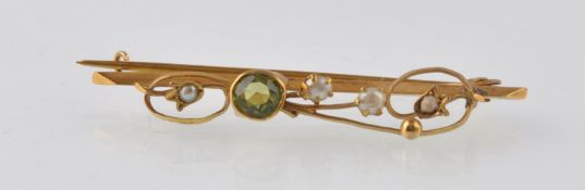 ART NOUVEAU 9CT GOLD PERIDOT AND SEED PEARL BROOCH