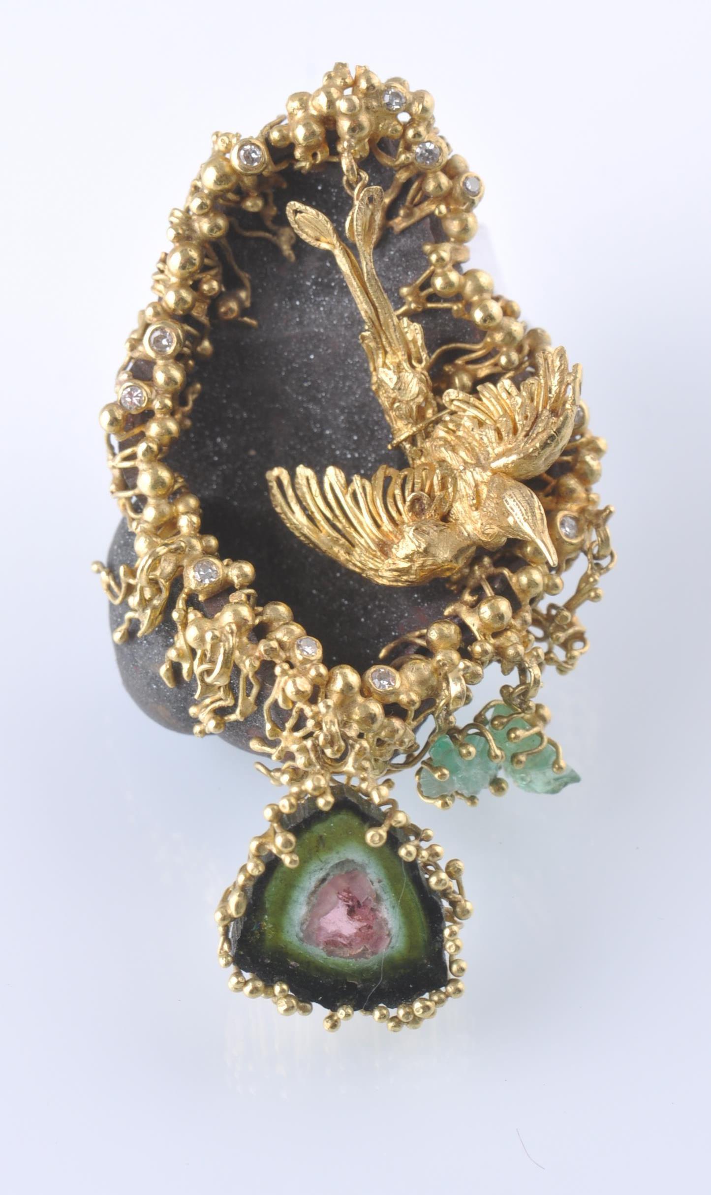 Lot 25 - AN UNUSUAL BEJEWELLED 18CT GOLD HEMATITE DIAMOND A