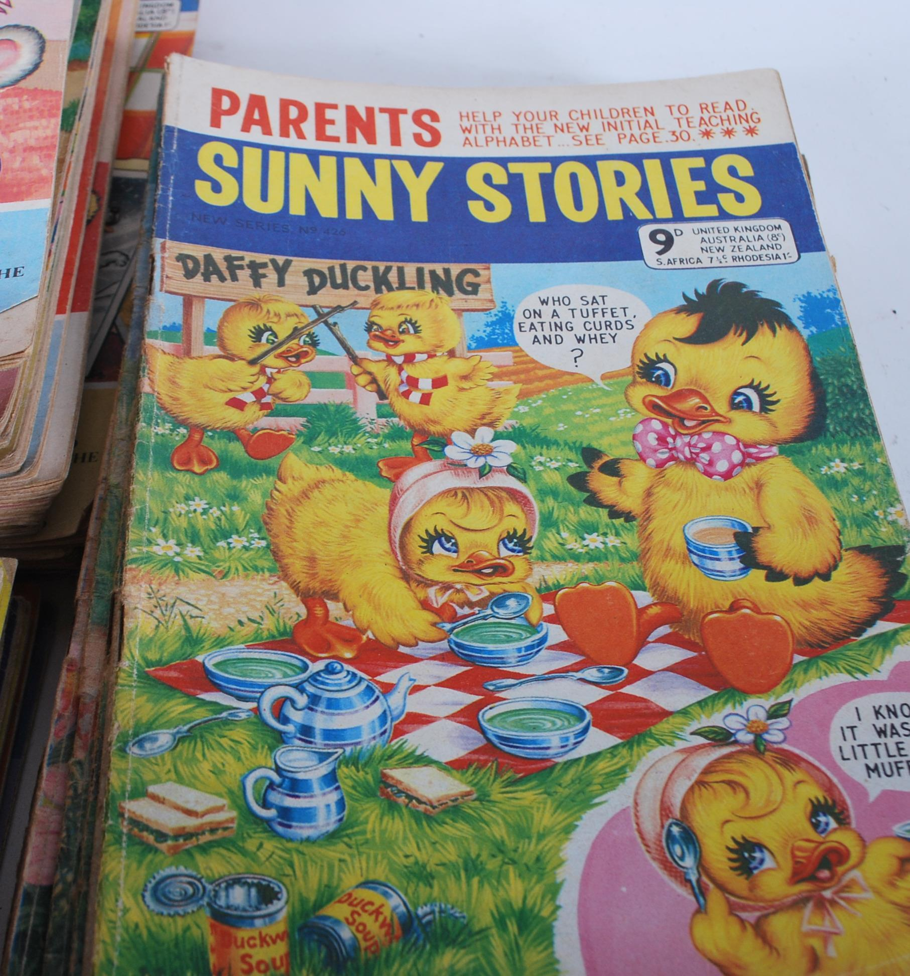 Lot 471 - A large collection of vintage 20th Century Sunny S