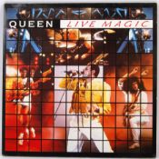 INCREDIBLY RARE ' QUEEN ' FULL SIGNED LIVE MAGIC LP RECORD