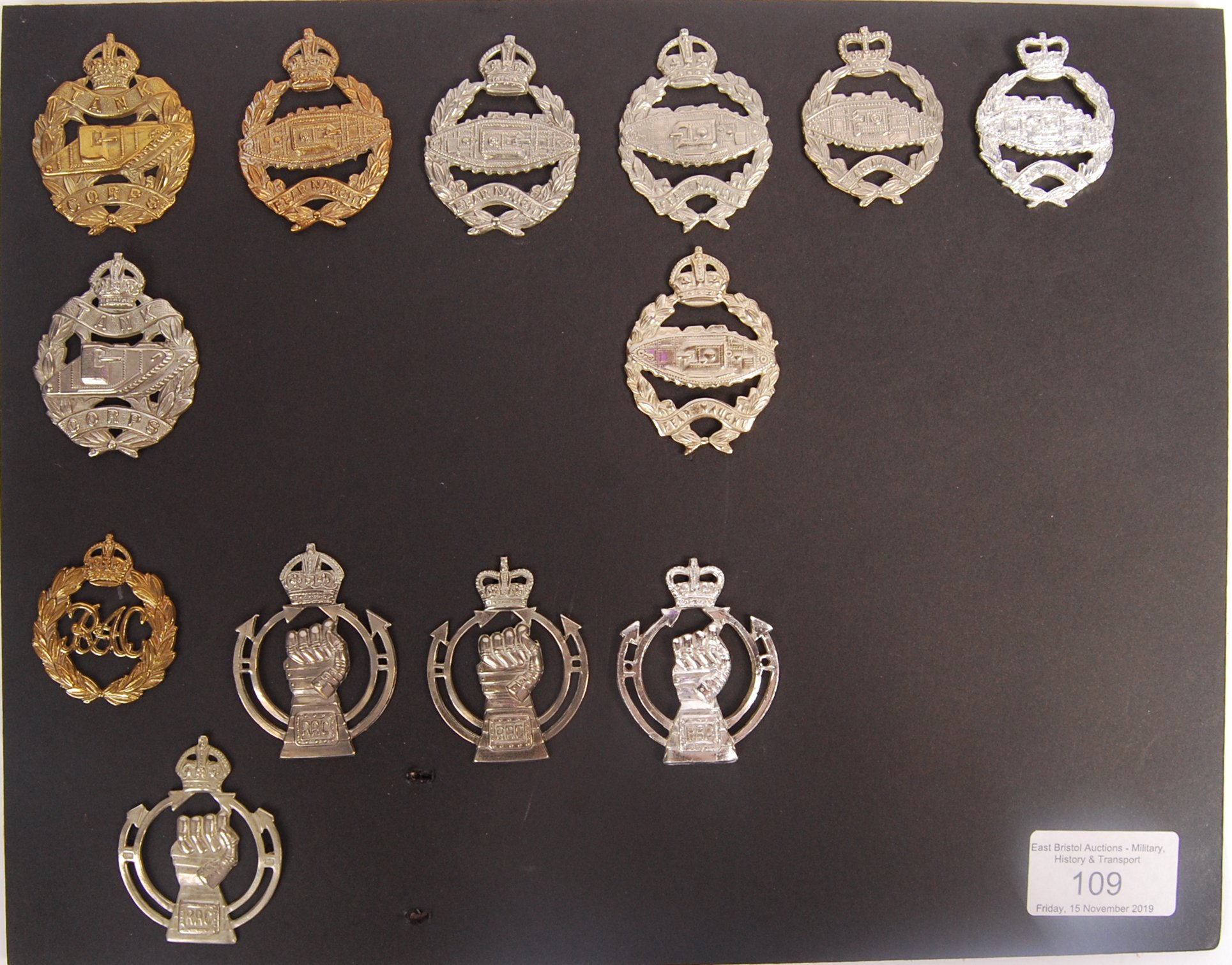 Lot 109 - COLLECTION OF WWI & LATER TANK CORPS & ROYAL ARMOU