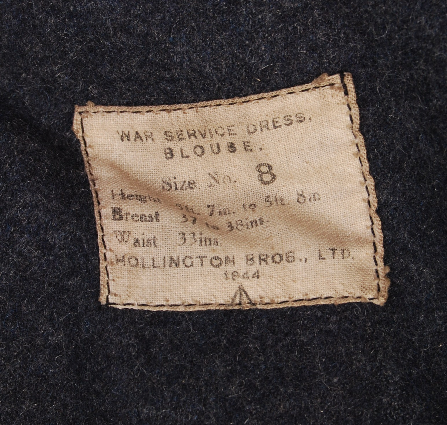 Lot 100 - RARE UNIQUE ARCHIVE OF WWII RAF BOMBER COMMAND ITE