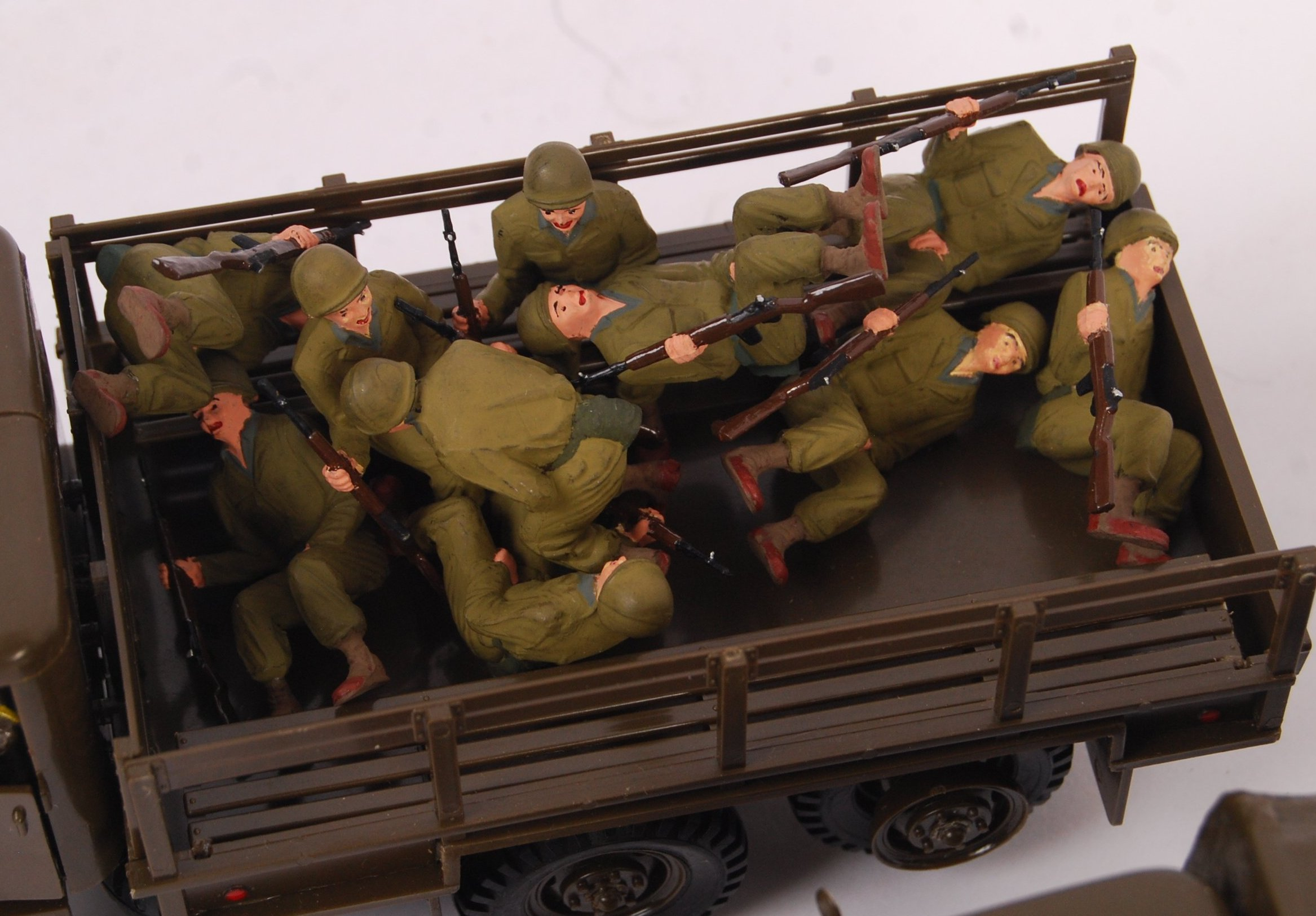 Lot 112 - COLLECTION OF ASSORTED MONOGRAM MILITARY 1/35 SCAL