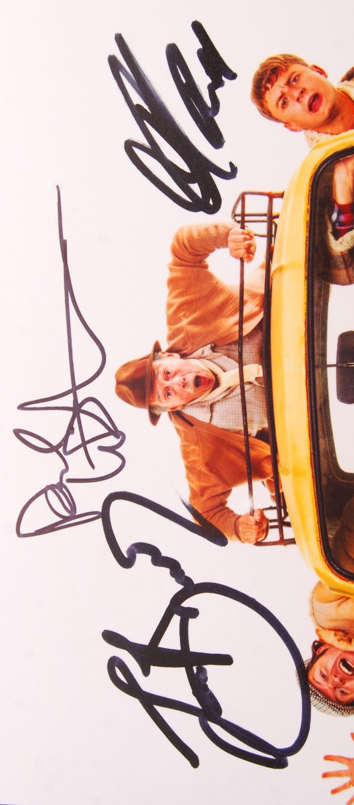 Lot 64 - ONLY FOOLS & HORSES THE MUSICAL - CAST SIGNED PHOT