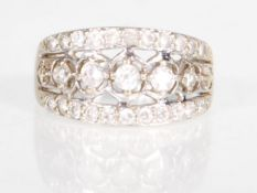 A hallmarked 14ct gold ladies dress ring set with