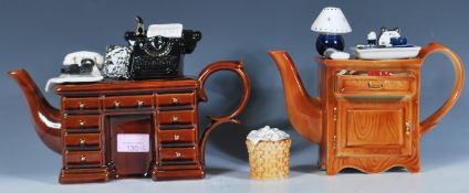 A pair of Cardew collectors novelty teapots to inc