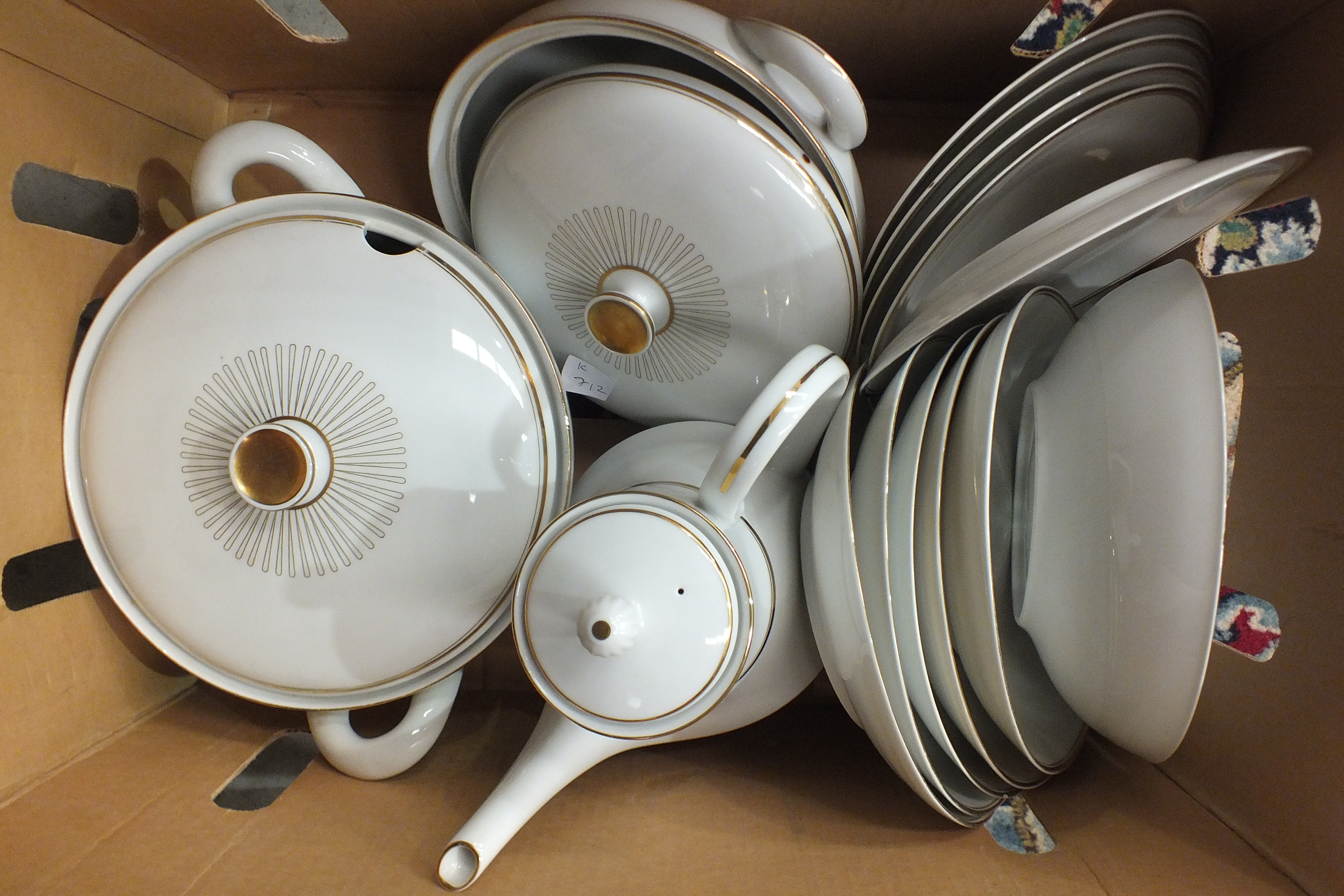 Lot 51 - A collection of Royal Doulton 'Harlow' pattern dinnerware, approximately 37 pieces, a collection