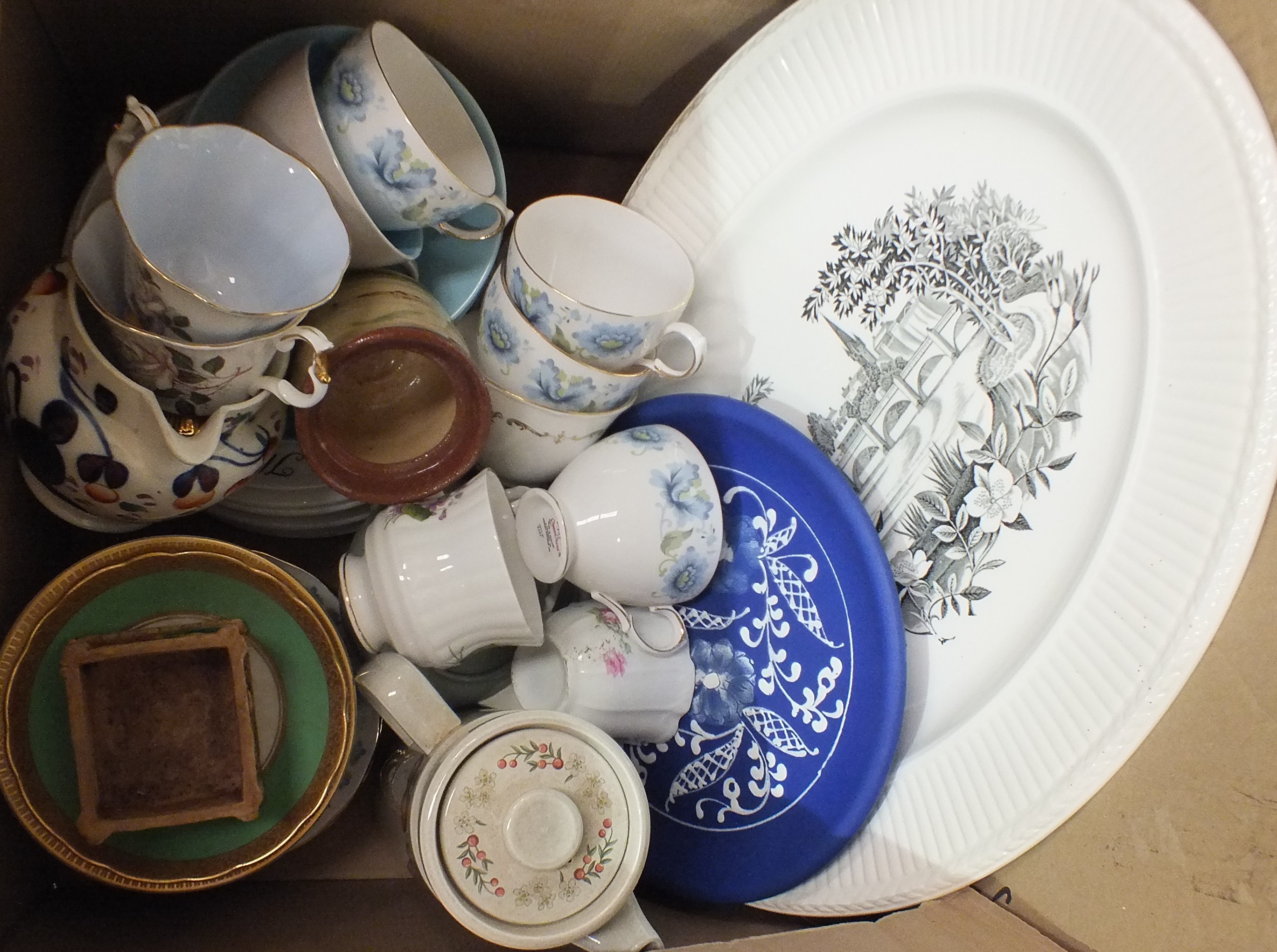 Lot 54 - A Royal Doulton foliate-decorated bone china tea part-service, 20 pieces a Crown Staffordshire