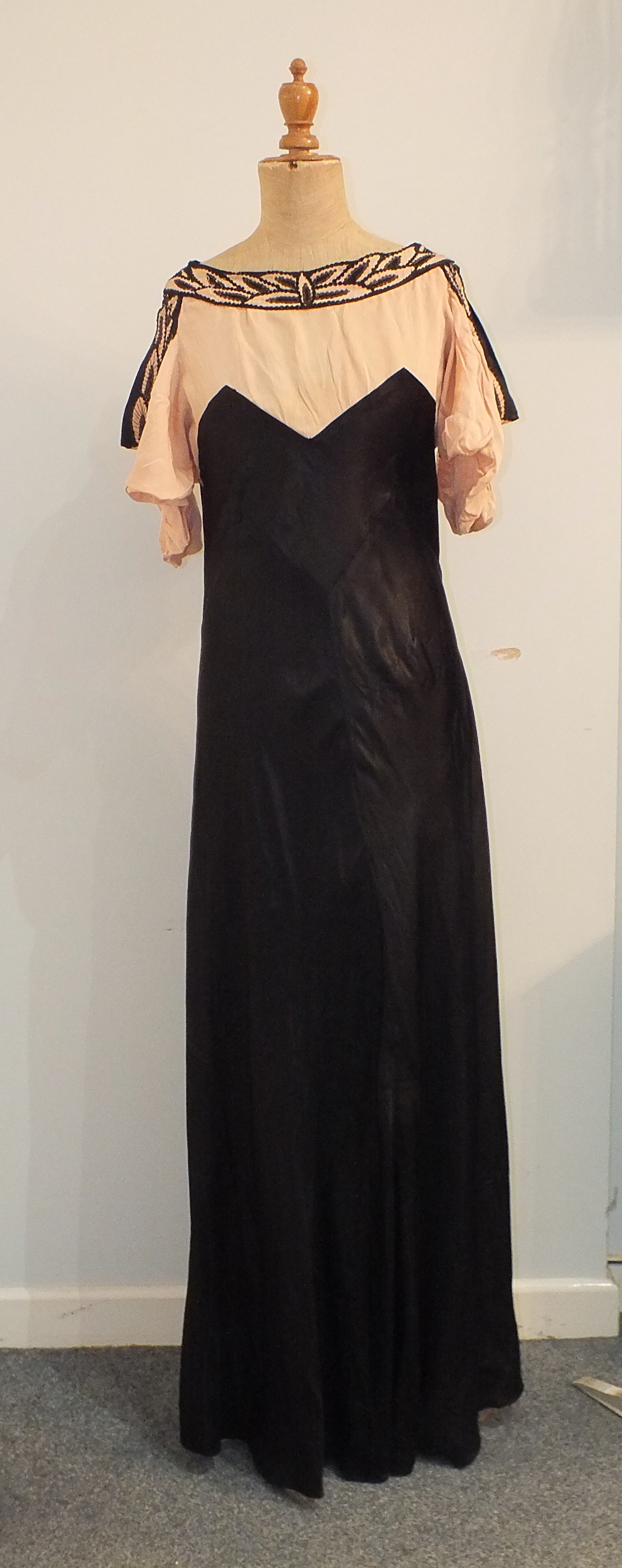 Lot 533A - Five 1930's/1940's evening dresses including a black and white printed silk chiffon dress with black