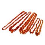 Konvolut Bernsteinketten, 5-teilig,Schließen aus unedlem Metall, versch. Längen.Bundle 5 pc amber