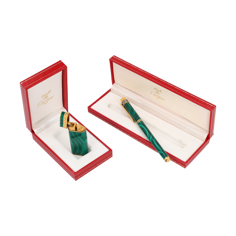 Lot 55 - CARTIER Konvolut.Feuerzeug (NP. ca.: 800,-€) und Kolbenfüller (NP. ca.: 400,-€) aus grünem