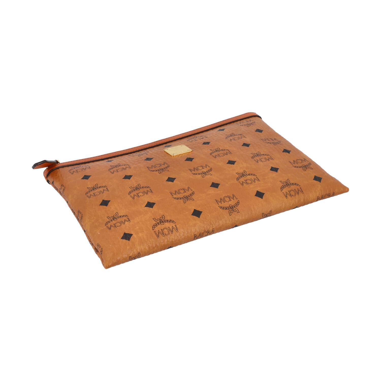 Lot 22 - MCM Clutch, Akt. NP.: 375,-€.Reißverschluss Tasche mit Innenfach aus beschichtetem Canvas mit Viteos