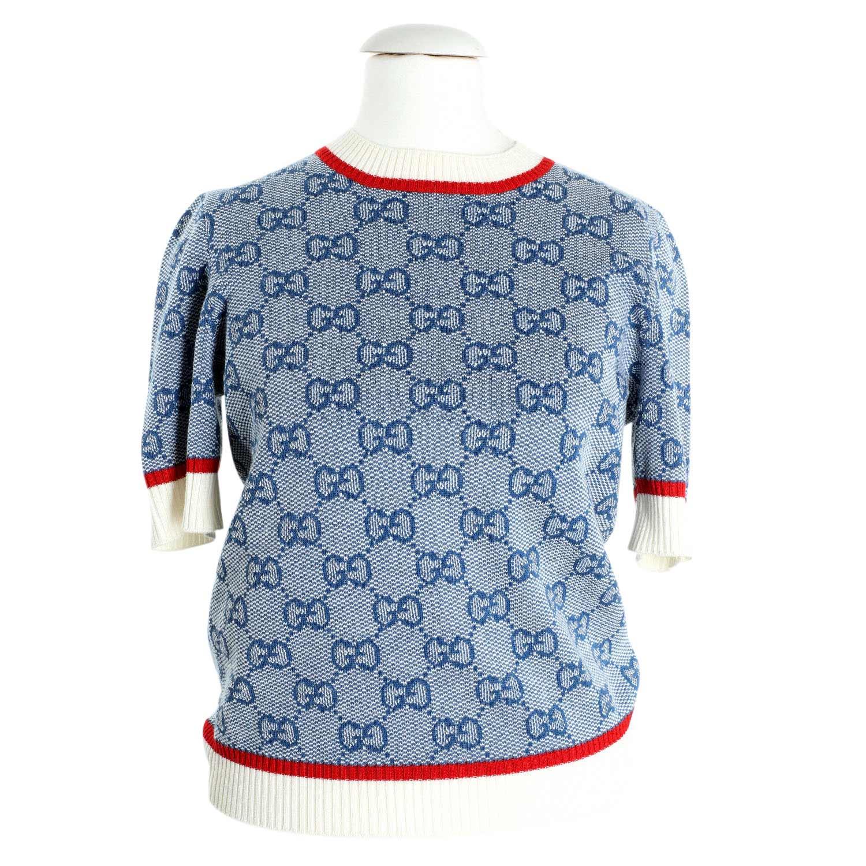 Lot 53 - GUCCI Pullover, Gr. S.NP.ca.: 650,-€. Eingewebtes GG-Supreme auf blau-/weißem Textil mit Bündchen.