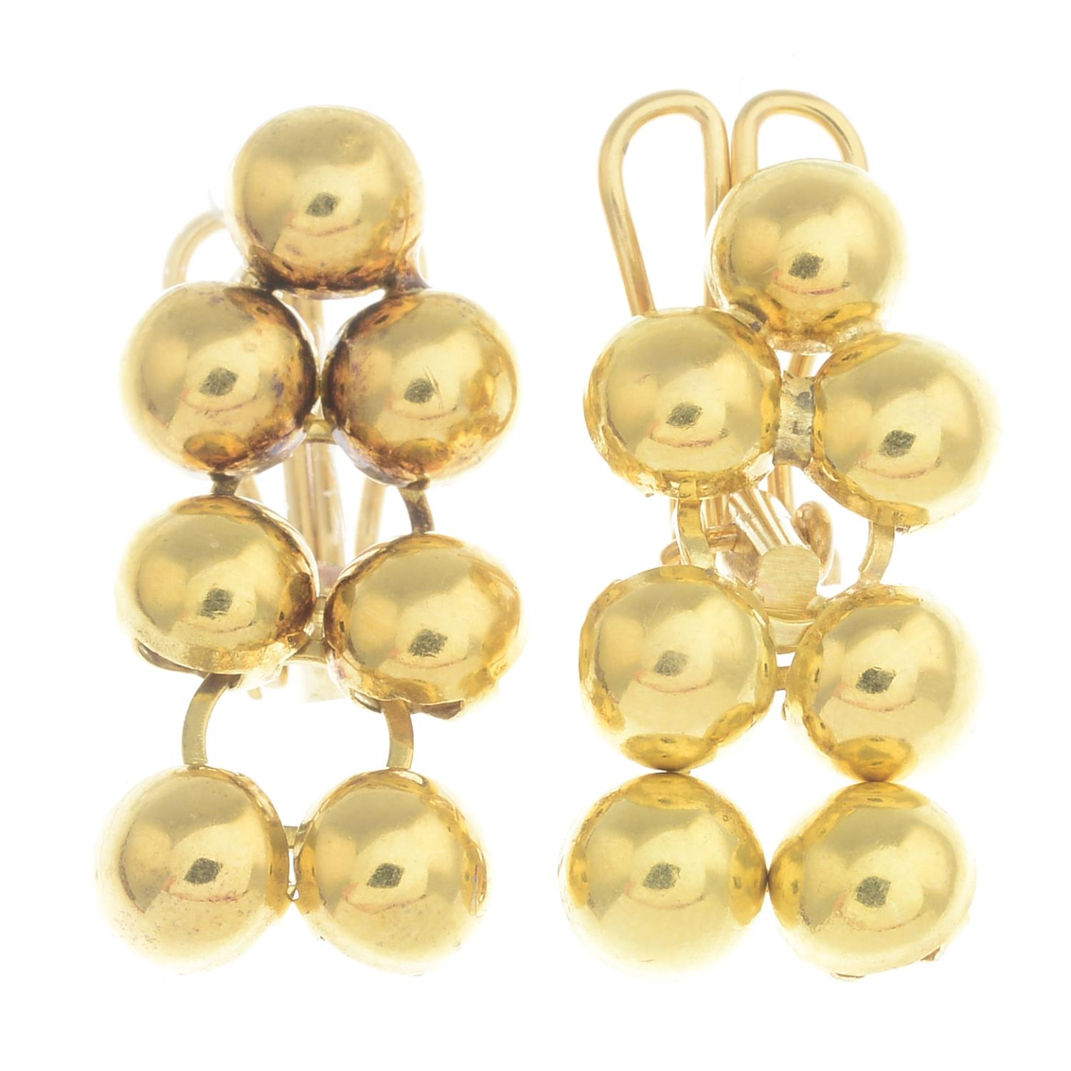 Lot 36 - A pair of earrings.Fittings for non-pierced ears.Length 2.3cms.