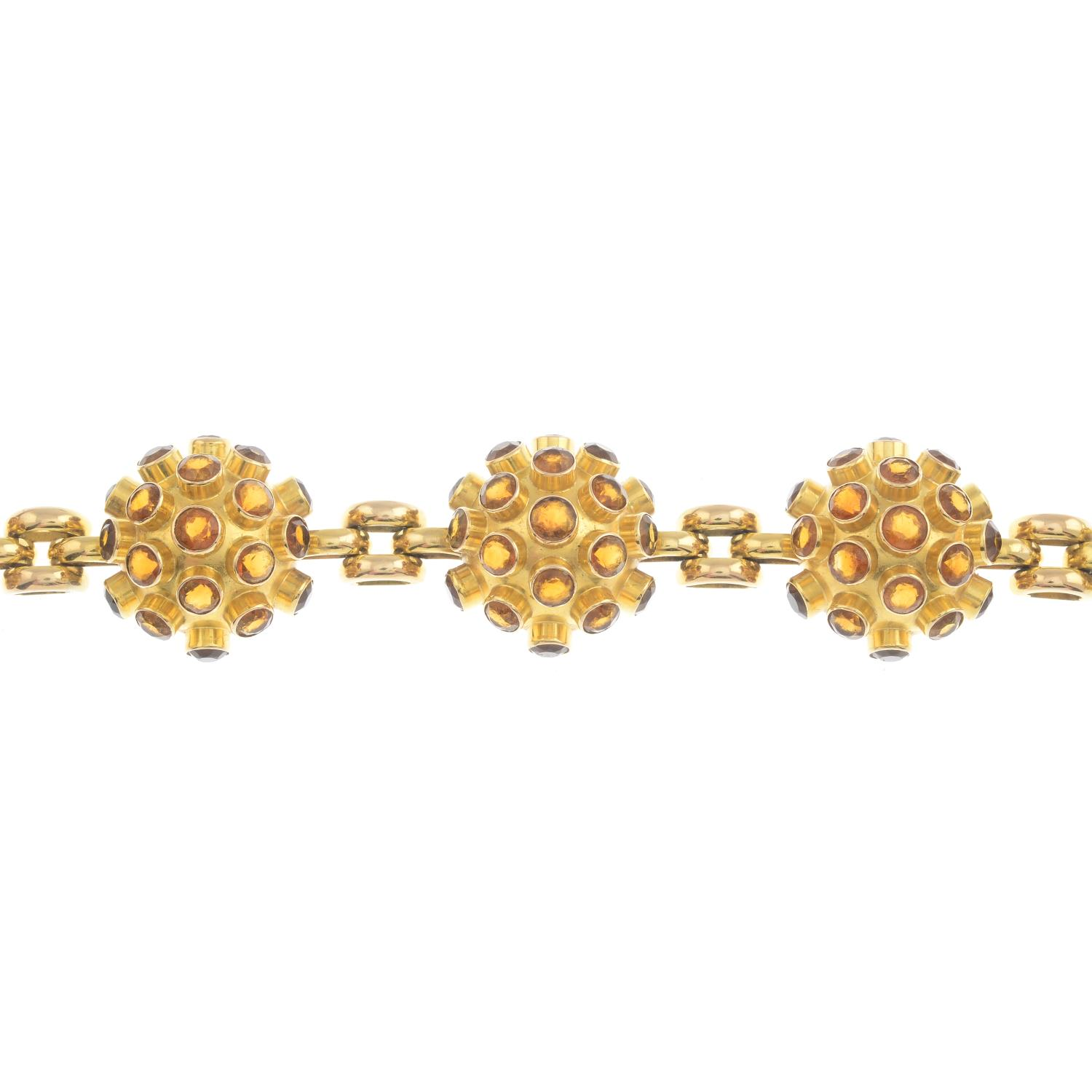 Lot 25 - A citrine bracelet.Length 19cms.