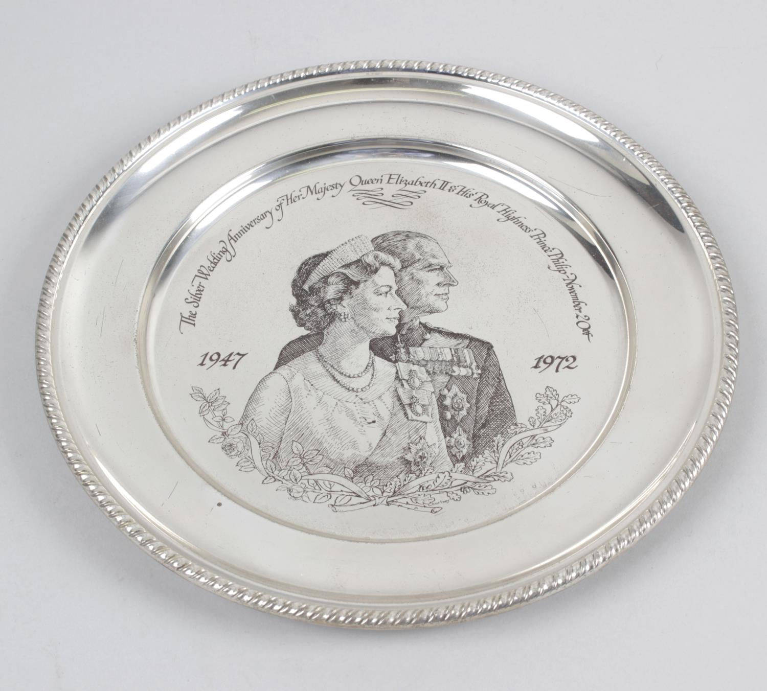 Lot 141 - A modern Royal commemorative silver plate,