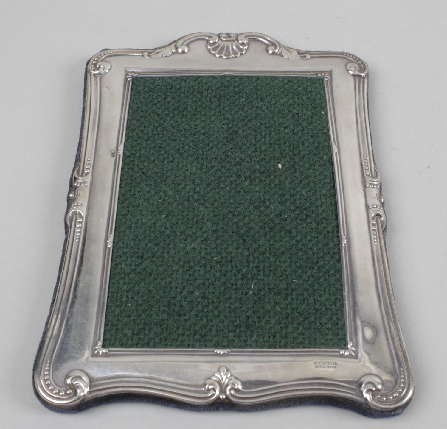 Lot 139 - A silver mounted photograph frame,