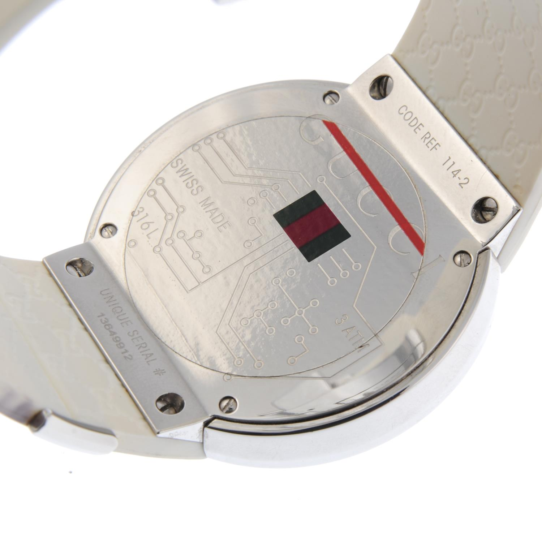 Lot 42 - GUCCI - a gentleman's I-Gucci wrist watch.