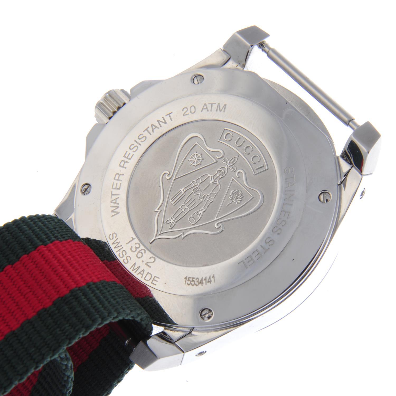 Lot 46 - GUCCI - a gentleman's Dive wrist watch.