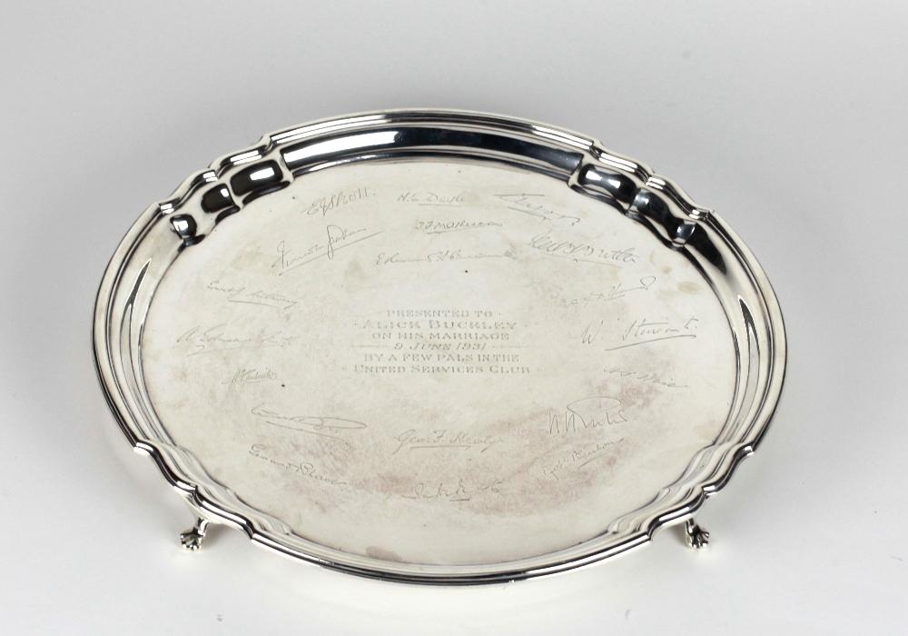 Lot 45 - A heavy circular English silver Salver, Sheffield c.