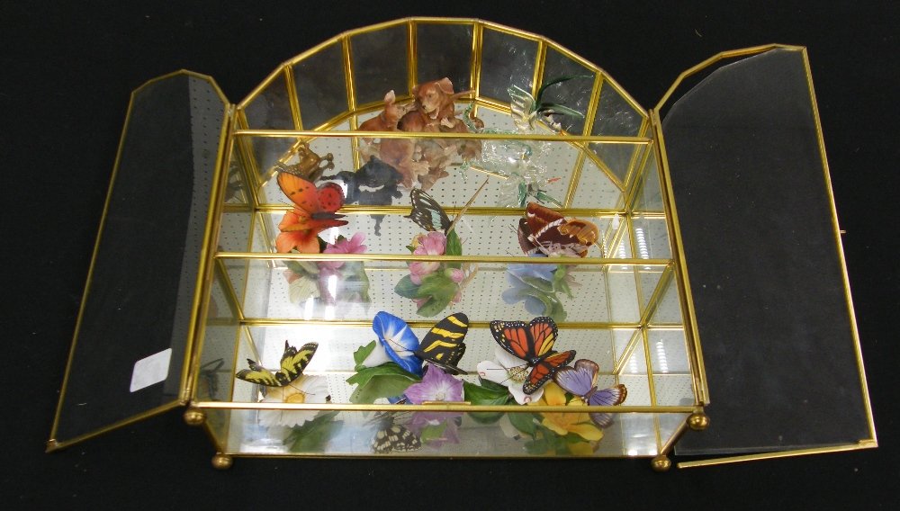 Lot 80 - Selection of Franklin Mint 'butterflies of the world' porcelain models, within a brass glazed