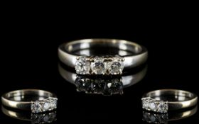 18ct White Gold Attractive and Quality 3