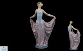 Lladro - Elegant Porcelain Figure ' The