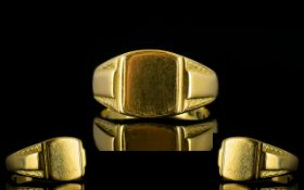 Gentleman's Heavy 18ct Gold Signet Ring with Full Hallmark for 750 - 18ct. Please See Photo.